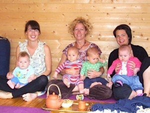 hannah waldman mother and baby yoga teacher hove yoga studio hove